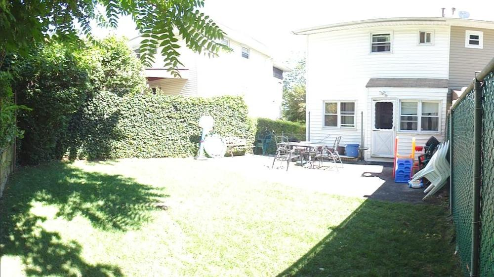on cul de sac with finished basement and fenced backyard for rent