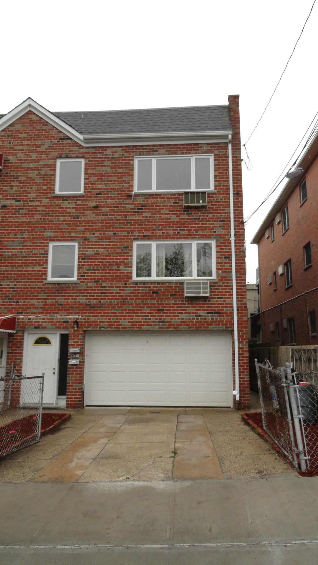Just Listed Spacious 3 Bedroom Apartment For Rent In Pelham Bay Bronx Ny For Only 1700