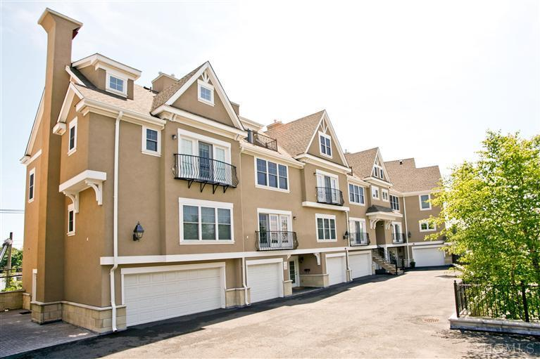 Long Island Gated Community Real Estate